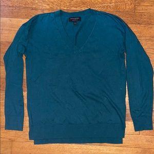 Banana Republic V-Neck Green Sweater, Size Small